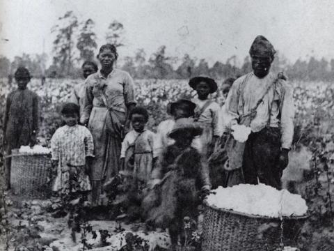 Family_of_slaves_in_Georgia,_circa_1850.jpg