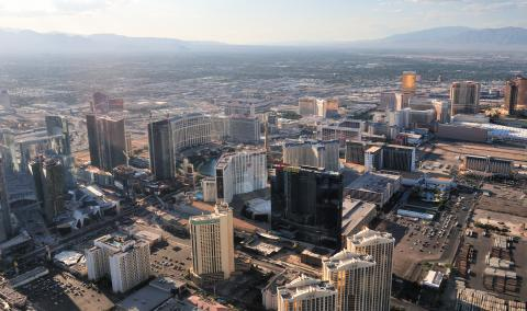 View_of_Las_Vegas'_strip_from_the_helicopter.jpg